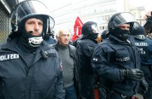 Vokietijoje kilo susirėmimai, sužeistas policininkas