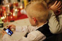 Vaikai ir išmaniosios technologijos: kur yra aukso vidurys?
