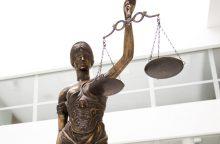 Sugyventinę dėl neištikimybės nužudyti ketinusiam vyrui atimta laisvė