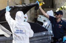 Romoje šiukšlių konteineryje rastos nupjautos moters kojos
