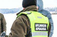 Už piktnaudžiavimą tarnyba nuteisti Kauno aplinkosaugininkai