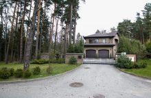 Užgrobtas Kleboniškio miškas: statinius liepta nugriauti, bet šeimininkai nepaklūsta