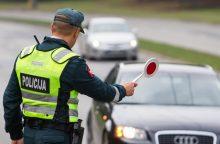 Girtų vairuotojų manevrai gatvėse nesiliauja