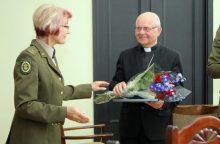 Arkivyskupui S. Tamkevičiui suteiktas garbės šaulio vardas