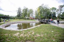 Kauniečiai rinkosi apžiūrėti sutvarkyto Dainavos parko