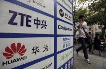 """Čekija perspėjo dėl """"Huawei"""" ir ZTE įrangos keliamos grėsmės"""