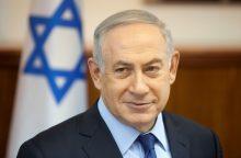 """B. Netanyahu nori Vakarų Krante """"legalizuoti"""" tūkstančius naujakurių butų"""