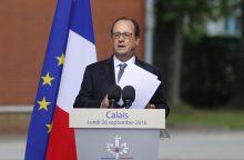 """Prancūzijos prezidentas: migrantų """"Džiunglės"""" turi būti išardytos"""