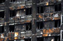 Londone baiminamasi daugiabučių gaisrų: dar 60 pastatų – nesaugūs