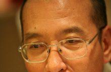 Kinija paleido iš kalėjimo vėžiu sergantį Nobelio taikos premijos laureatą
