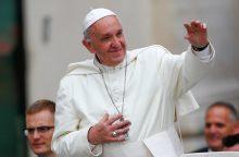 Popiežius: mirtininkai sprogdintojai nėra kankiniai