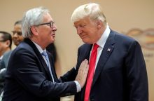 J.-C. Junckeris ir D. Trumpas surengs derybas dėl prekybos