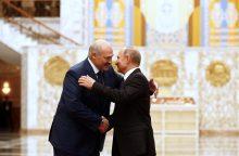 A. Lukašenka: Rusija padeda Baltarusijai, nes baiminasi ją prarasti