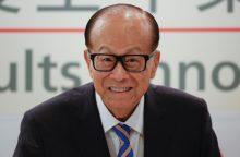 Turtingiausias Honkongo gyventojas skelbia apie pasitraukimą