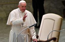 Vatikanas rengia susitikimą dėl lytinių nusikaltimų Bažnyčioje