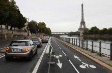 Prancūzija skatins atsikratyti senų automobilių