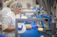"""""""Maxima"""" steigia maisto gamybos praktinio mokymo centrus"""