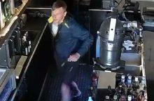 Iš restorano pavogti brangūs alkoholinių gėrimų buteliai <span style=color:red;>(vaizdo įrašas)</span>