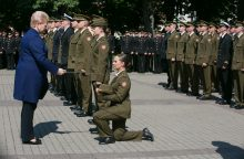 Karo akademijos absolventams suteiktas leitenanto laipsnis
