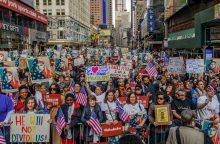 JAV nauju deportacijos planu nusitaikė į milijonus žmonių