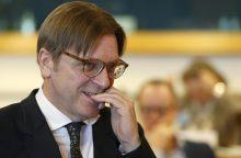 """ES įstatymų leidėjas sako, kad JK """"Brexit"""" derybininkas griauna pasitikėjimą"""