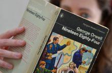 """Rašytojo sūnus: G. Orwello romanas """"1984-ieji"""" buvo """"pranašiškas"""""""