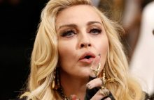 JAV teismas blokavo dainininkės Madonnos asmeninių daiktų aukcioną