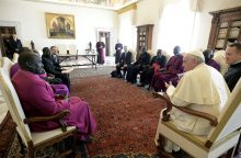 Popiežius Pranciškus aptarė taiką susitikęs su Pietų Sudano atstovais