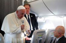 Popiežius sako suprantantis pavojų Baltijos šalims, žada paramą