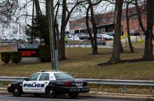 Naujajame Džersyje užpuolikas šaudė ir buvo paėmęs dvi įkaites