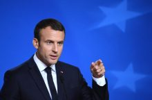 E. Macronas pakvietė JAV prezidentą liepą apsilankyti Prancūzijoje