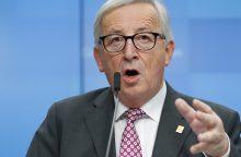 J. C. Junckeris tikisi, kad D. Trumpas susilaikys nuo muitų automobiliams įvedimo