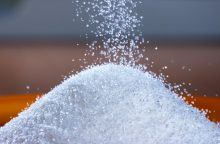 Kėdainiuose ant vairuotojo užgriuvo tona cukraus