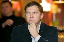 Lietuvoje B. Gatesas tik plytas tampyti galėtų