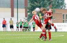 Jaunieji futbolininkai kausis dėl trofėjaus