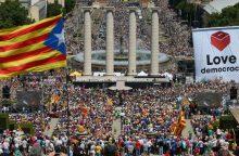 Apklausa: vis mažiau katalonų nori nepriklausomybės nuo Ispanijos