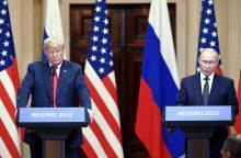 """D. Trumpas: susitikimas su v. Putinu buvo """"dar geresnis"""" nei su NATO"""