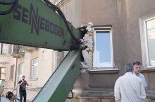 Neįtikėtina: Klaipėdoje į butą įgriuvo krano strėlė