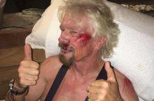 Milijardierius R. Bransonas vos nežuvo važinėdamas dviračiu Karibuose