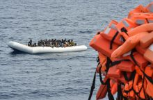 Europa stveriasi šiaudo: uždraudė guminių valčių tiekimą į Libiją