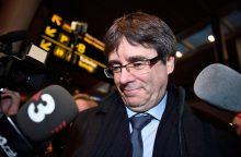 Katalonijos parlamento pirmininkas siūlo regiono prezidentu perrinkti C. Puigdemont'ą