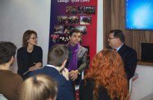 Prancūzijos ambasadorių kalbinę gimnazistai kalbos egzaminą išlaikė