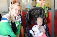 Sergančius vaikus aplankiusi R. Meilutytė: jie yra patys didžiausi kovotojai