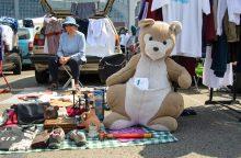 Bagažinių turgaus organizatoriai skelbia karą perpardavinėtojams
