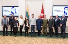 Už kilnius poelgius – apdovanojimai iš prezidentės rankų