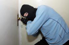 Moterį apvogė į butą įsiveržęs vyras
