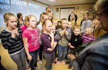 Į vaikų globos namus – su asmeniškomis dovanomis