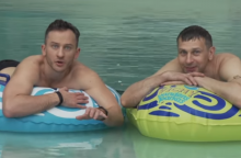 Aktorius N. Gadliauską ir R. Petrauską pribloškė gražuolė gelbėtoja